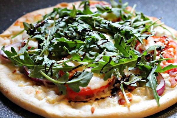BLT Pizza with balsamic glaze